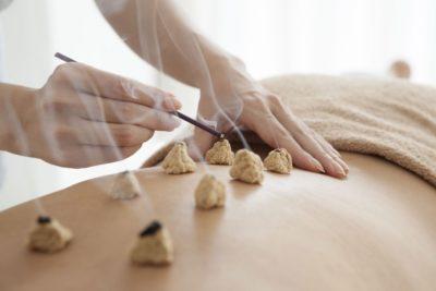 Técnicas de moxa o moxibustión